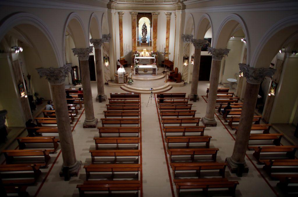 Italian bishops demand plan for public Masses